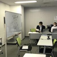 市原高等技術専門校(ちばテク市原校)松岡校長先生が視察にいらっしゃいました。向かって右:松岡校長先生 左:井上講師